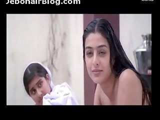 aishwarya-tabu-bathing-